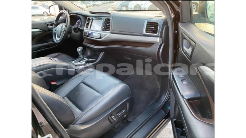 Big with watermark toyota highlander bagmati import dubai 1858